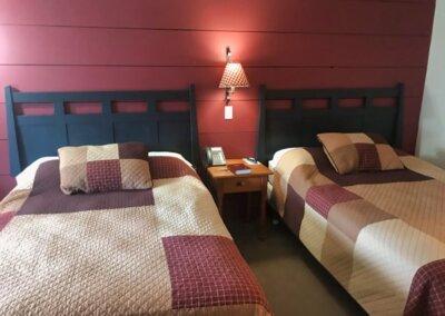 beautiful double room motel room near frostburg md