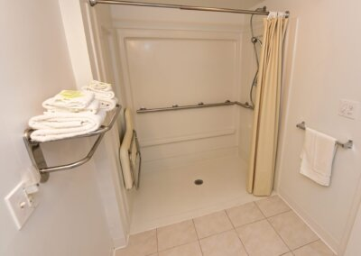 handicapped accessible motel room in grantsville md