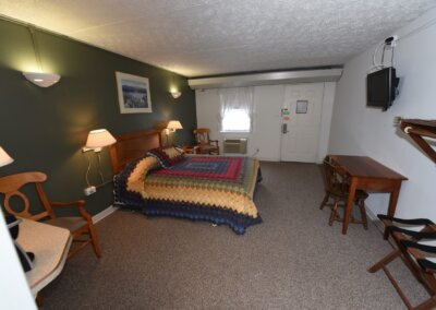 handicapped hotels in western maryland